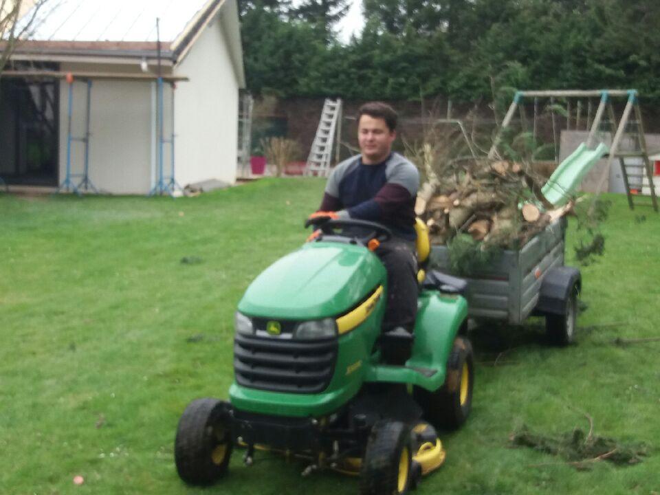 Jean Marie Desclos se charge de vos déchets verts à la fin du chantier